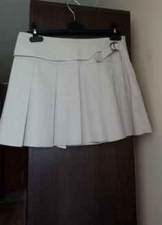 Kup mój przedmiot na #vintedpl http://www.vinted.pl/damska-odziez/spodnice/15212444-nowa-bezowa-spodniczka-rozmiar-m