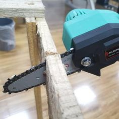 【Holiday Pre-Sale 50% OFF】 - Rechargeable 24V Lithium Mini Chainsaw – ModernIndigo Mini Chainsaw, Old Tables, Electric Chainsaw, Fast And Slow, Cool Gadgets To Buy, Clever Gadgets, Diy Home Repair, Sale 50, Cool Things To Buy