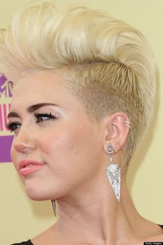 Imagenes De Hairstyle Shaved Sides Long Top Female