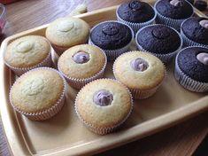 Narozeninové cupcakes Kefir, Cheesecake, Muffin, Cupcakes, Breakfast, Food, Morning Coffee, Cupcake Cakes, Cheesecakes