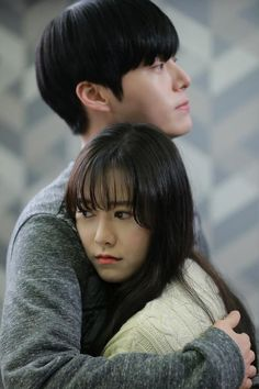 Blood | Ahn Jae Hyun and Gu Hye Sun-WHAT WHAT WATTT! when ur favorite drama characters START DATING! NEXT THING U KNOW, they confirm their MARRIAGE!oh gawd id even know how to REACT