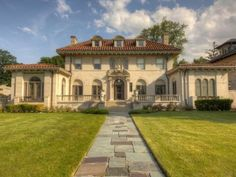 The former home of Motown founder Berry Gordy is on the market again after being taken down last summer. The 10,500-square-foot Boston-Edison District home sits on 2.2 acres and is listed for $1.595 million, making it the third-most expensive house for sale in Detroit right now. Photo: 918 W. Boston Blvd. Berry Gordy, Thing 1, Mansions For Sale, Expensive Houses, Detroit Michigan, House Entrance, Motown, Maine House, Luxury Homes