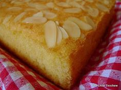 Semolina cake aka sugee cake - little teochew version. Sugee Cake, No Bake Cake, Cupcake Cakes, Fruit Cakes, Cupcakes, Cake Bars, Tea Cakes, Food Cakes, Delicious Cake Recipes