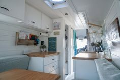 Van Home Layout 538954280406272396 - Planning Your Van Conversion Layout: 3 Tips — 40 Hours of Freedom – Sara & Alex James Source by jacinthagibbons Van Conversion Bathroom, Van Conversion Layout, Van Conversion Interior, Sprinter Van Conversion, Camper Conversion, Van Home, Campervan Interior, Campervan Ideas, Van Living