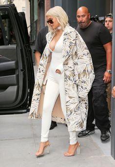 Imagen de kylie jenner, beauty, and kardashian Estilo Kylie Jenner, Kylie Jenner Outfits, Kylie Jenner Style, Bruce Jenner, Kyle Jenner, Suit Fashion, Fashion 2020, Fashion Outfits, Kylie Travis