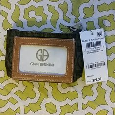 Giani Bernina coin purse Top zipper, with key chain, perfect for your loose coins. Giani Bernini Bags Wallets