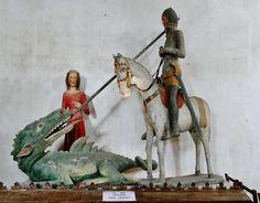 rare et précieuse sculpture  de  Saint Georges datant du XIVe siècle. Notre dame de Quelven à Guern, Morbihan