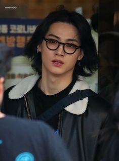"""JB's long hair bc i miss it: a very necessary thread. Youngjae, Jaebum Got7, Yugyeom, Girls Girls Girls, Jinyoung, Justin Bieber, Got7 Aesthetic, Got7 Members, Got7 Jb"