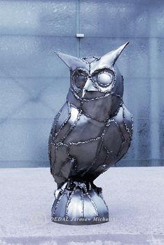 Symbol of wisdom Metal sculpture owl