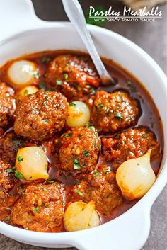 Parsley Meatballs with Spicy Tomato Sauce --- Tender parsley meatballs packed with herbs and spices. Meatball Recipes, Meat Recipes, Gourmet Recipes, Cooking Recipes, Healthy Recipes, Clean Eating Snacks, Healthy Eating, Healthy Food, Spicy Tomato Sauce