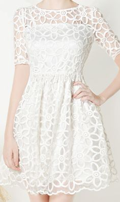 I want this for my graduation dress, except sleeveless.