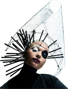 Onirico, sognatore, creativo. Amato dagli stilisti più à la page, Bob Recine è un maestro dell'hair style -  pinned by RokStarroad.com