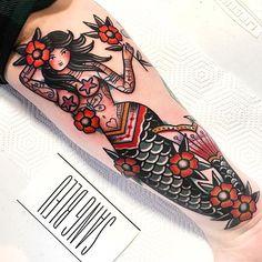 WEBSTA dani queipo - My most beautiful tattoo list Pin Up Girl Tattoo, Pin Up Tattoos, Leg Tattoos, Body Art Tattoos, Cool Tattoos, Buddha Tattoos, Traditional Mermaid Tattoos, Neo Traditional Tattoo, American Traditional