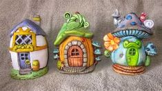 The Papercrete Potter: Why We Build Pots. Compare with polymer clay. Polymer Clay Fairy, Fimo Clay, Polymer Clay Projects, Clay Fairy House, Fairy Garden Houses, Fairy Gardens, Garden Ideas Large, Papercrete, Clay Fairies