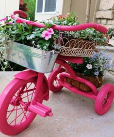 DIY Ideas for Your Garden – Pink Tricycle Planter – Cool Projects for Spring and Summer Gardening – Planters, Rocks, Markers and Handmade Decor for Outdoor Gardens Garden Crafts, Garden Projects, Diy Garden, Recycling Projects, Yard Art, Pot Jardin, Garden Whimsy, Garden Planters, Recycled Planters