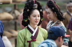 The Flower in Prison (Hangul: 옥중화; RR: Okjunghwa; MR: Okchunghwa) is a South Korean television series starring Jin Se-yeon, Go Soo, Kim Mi-sook, Jung Joon-ho and Park Joo-mi. It airs on MBC for 50 episodes. 정난정 박주미