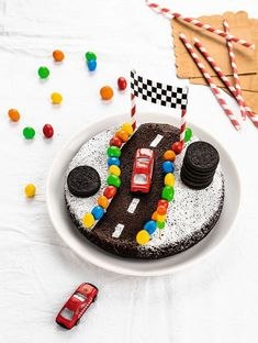 Here in Miami, people manage to get thier birthday cakes from a nearby chain Supermarket. Delicious Cake Recipes, Yummy Cakes, Bolo Mickey Chantilly, Alphabet Cake, Chocolate Covered Peanuts, Fairy Cakes, Moist Cakes, Drip Cakes, Sweet Cakes