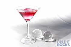 My favorite ice! Alcoholic Drinks, Cocktails, Martini, Juice, Cool Stuff, My Favorite Things, Tableware, Glass, Luxury