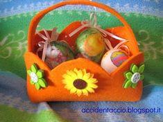 Accidentaccio: decorazioni per Pasqua: cestino porta uova in feltro