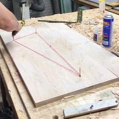 Mid century modern coffee table using this trick to make the perfect ellipse woodworking hacks woodworkinghacks diy easy eclipse how to build a cornhole scoreboard Awesome Woodworking Ideas, Best Woodworking Tools, Woodworking Joints, Woodworking Workbench, Woodworking Workshop, Woodworking Techniques, Woodworking Projects Diy, Woodworking Furniture, Woodworking Videos