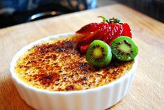 My ultimate favourite dessert, creme brulee! Wine Recipes, Gourmet Recipes, Dessert Recipes, Cooking Recipes, Delicious Desserts, Cravings, Sweet Treats, Food Porn, Favorite Recipes