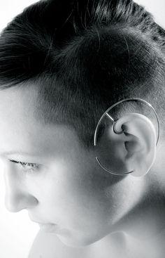 Katerina Reichova | mullatem- ear cuff geometric form