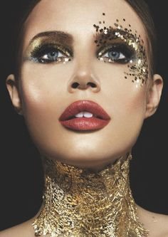 How Women decorate their bodies during Sol festivities. Gold Makeup, Makeup Art, Beauty Makeup, Eye Makeup, Make Up Looks, Makeup Inspo, Makeup Inspiration, Gold Face Paint, Show Makeup