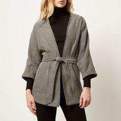 cdnb.lystit.com photos 931c-2015 12 19 river-island-black-black-woven-belted-kimono-jacket-product-1-291113420-normal.jpeg