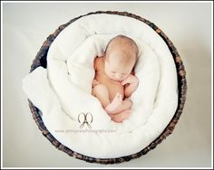 love the basket and wound blanket