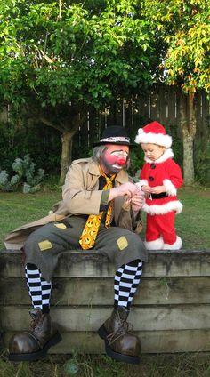 A candy cane for little Santa Emmett Kelly, Send In The Clowns, Circus Clown, Clowning Around, Evil Clowns, Johnston Murphy, Weird And Wonderful, Cat Art, The Fool