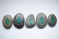 Set of 5 Christmas rocks by olique on Etsy