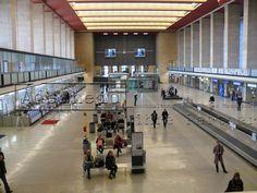 Tempelhofer Flughafen Abfertigungshalle von oben 1