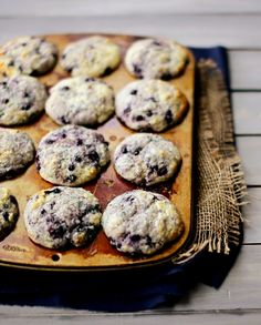 Low FODMAP Recipe and Gluten Free Recipe - Lemon and blueberry muffins http://www.ibssano.com/low_fodmap_desserts_lemon_blueberry_muffin.html