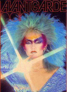 Barbie Wilde on the cover of Avantgarde Hair magazine, 1981 Glam Rock Makeup, Punk Makeup, 70s Makeup, Heavy Makeup, Tim Curry, Moda Rock, Cyberpunk, Avant Garde Hair, New Romantics