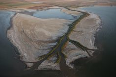 """Aerial riverscapes: Imperial Valley It's dizzying sights like these that have inspired the work of artists and scientists alike, including aerial archaeologist Klaus Leidorf and Bernhard Edmaier, a """"geologist-turned-photographer"""" who captivated fine art enthusiasts with his stunning """"Earthsong"""" art book."""
