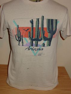 vintage 1980s Arizona tourist t shirt - 50/50 - THIN and DAMAGE - MEDIUM