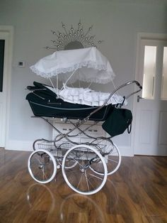 Vintage Stroller, Vintage Pram, Carriage Bed, Travel High Chair, Silver Cross Prams, Prams And Pushchairs, Baby Buggy, Baby Prams, Traveling With Baby