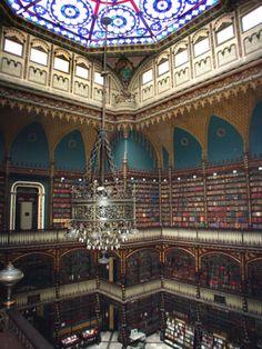 Gabinete Português de Leitura, Rio de Janeiro, Brasil - Obra do século XVII, toda em ferro, impressionante!!!