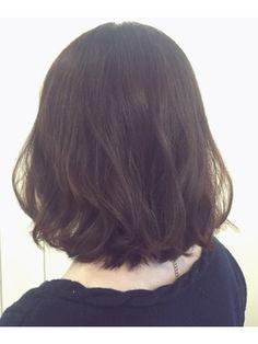 伸ばしかけにも◎ミディアムレイヤー【渡辺祐磨】 - 24時間いつでもWEB予約OK!ヘアスタイル10万点以上掲載!お気に入りの髪型、人気のヘアスタイルを探すならKirei Style[キレイスタイル]で。