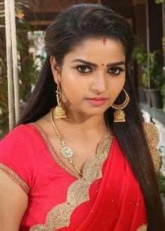 Most Beautiful Attractive Hot Aunties Girl Beautiful Girl Indian, Beautiful Girl Image, Most Beautiful Indian Actress, Beautiful Bride, Beautiful Bollywood Actress, Beautiful Actresses, Hot Actresses, Beauty Full Girl, Beauty Women