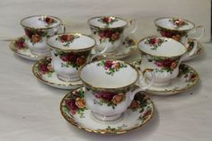 ROYAL ALBERT OLD COUNTRY ROSE TEA CUPS AND SAUCERS X 6