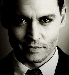 Johnny Depp -- Did I pin this one already?? He looks sooooo naughty, MUAH!!