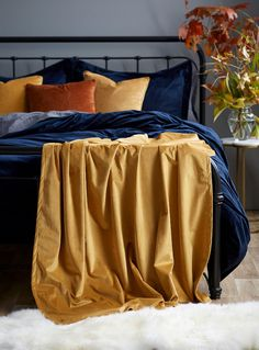 Silky velvet throw 130 x 170 cm Simons Maison Simons Maison exclusive Made of rich, satiny fabric, this throw will add an elegant note of mystery to your decor. Exceptionally soft polyester weave x x 170 cm) Medium Yellow Knitted Throws, Room Decor, Velvet, House Styles, Throw Blankets, Home, Shopping, Accessories, Ad Home