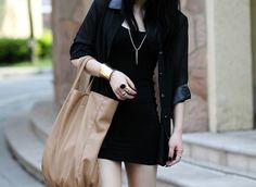 Exquisite jewelry black rhinestone ring - $4.99USD