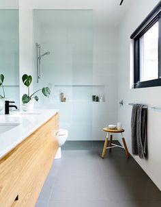 If you have a small bathroom in your home, don't be confuse to change to make it look larger. Not only small bathroom, but also the largest bathrooms have their problems and design flaws. Laundry In Bathroom, Bathroom Renos, Ensuite Bathrooms, Bathroom Interior, Bathroom Ideas, Bathroom Layout, Bathroom Showers, Bathroom Photos, Bathroom Inspo