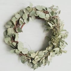 Great Screen dried Eucalyptus Wreath Strategies This DIY eucalyptus wreath is the best base wreath for any season as well as décor design and also Rustic Living Room Furniture, Loft Furniture, Simple Furniture, Primitive Furniture, Furniture Logo, Furniture Showroom, Apartment Furniture, Furniture Makeover, Garden Furniture