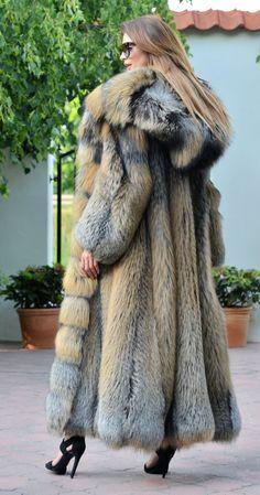 fox furs - exclusive saga fox fur fantastic long fur coat fox !