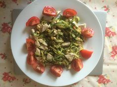 courgette 'spaghetti' with chicken, pine nuts & toms - great lunch and will prevent that post carb afternoon slump!