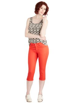 Right on Cue Capri Pants in Orange. You couldnt have timed it any better - wearing these orange capri pants for an afternoon of bistro-hopping and boutique shopping with your bestie was totally the right call! #orange #modcloth