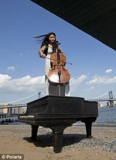 Grand piano found under bridge. www.viraljolt.com